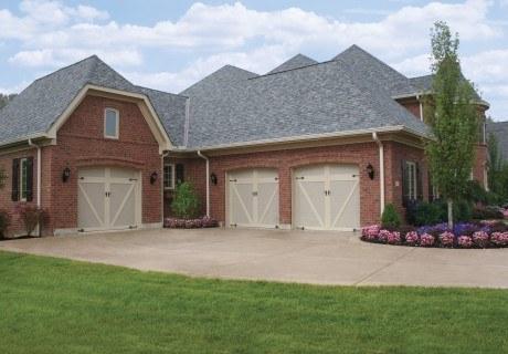 COACHMAN® collection garage doors