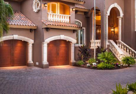 CANYON RIDGE® collection ULTRA-GRAIN® series garage doors